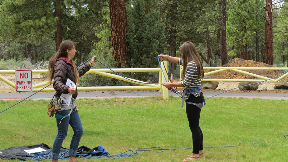 2015-05-13-ecos-students-practice-belaying-05