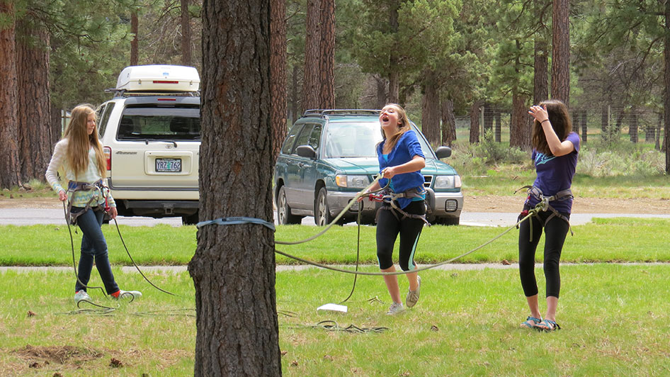 2015-05-13-ecos-students-practice-belaying-06