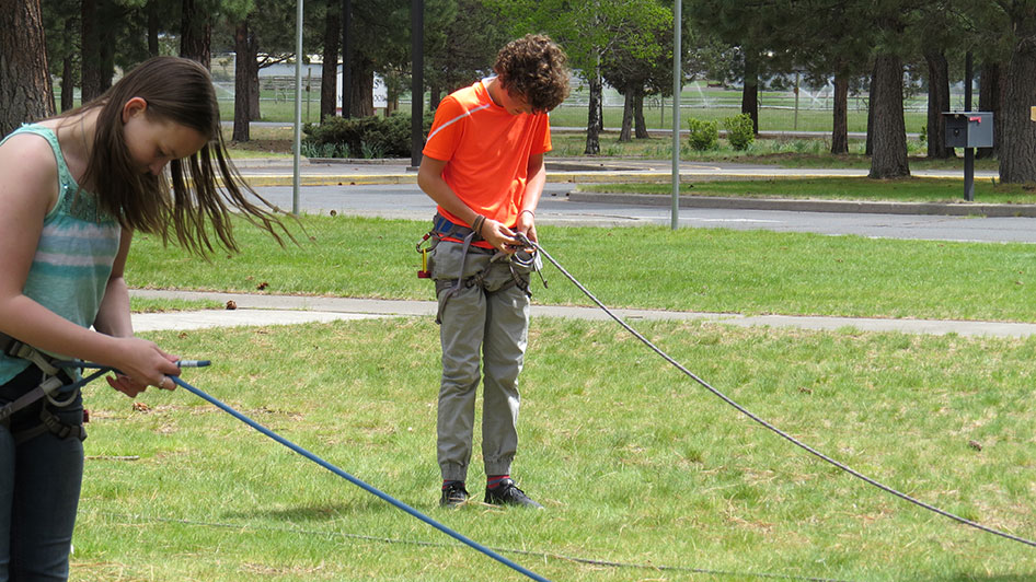 2015-05-13-ecos-students-practice-belaying-07