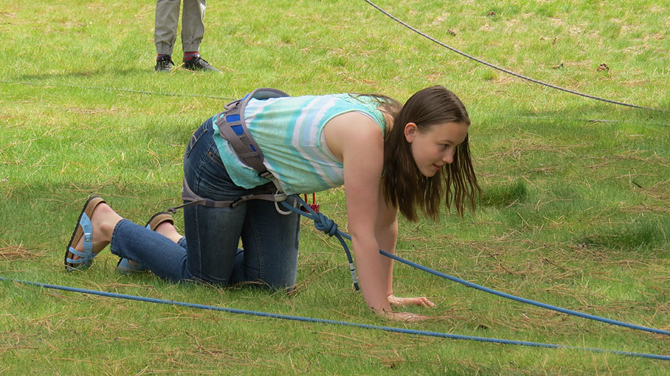 2015-05-13-ecos-students-practice-belaying-09