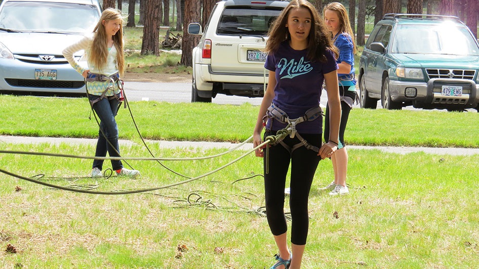 2015-05-13-ecos-students-practice-belaying-10