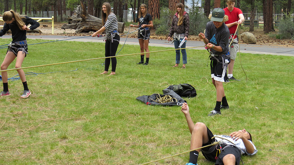 2015-05-13-ecos-students-practice-belaying-14