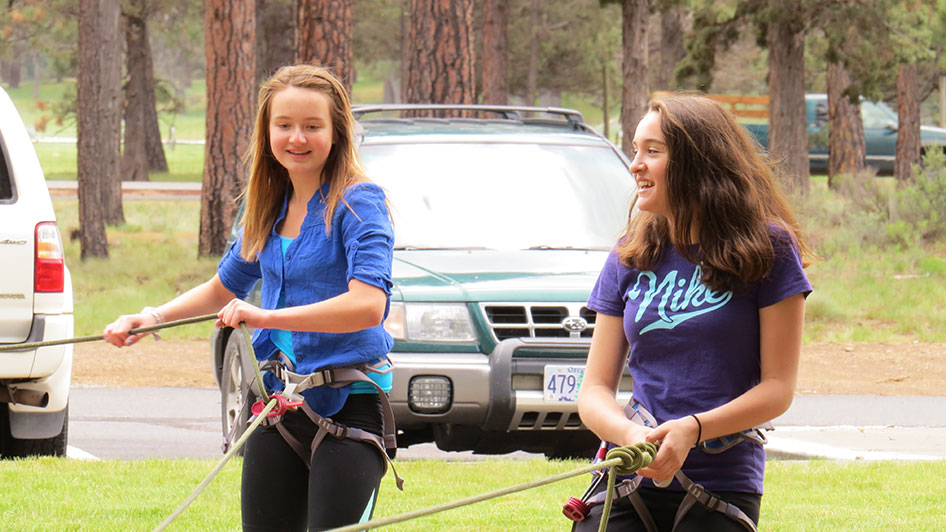 2015-05-13-ecos-students-practice-belaying-18