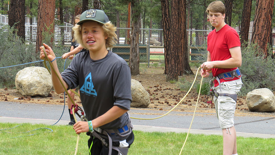 2015-05-13-ecos-students-practice-belaying-19