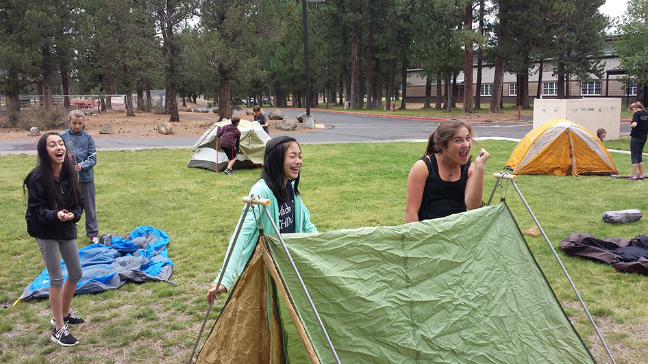 2015-09-15-ecos-students-setting-up-tents-06