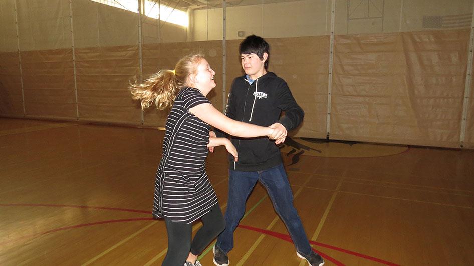2016-04-21-swing-dancing-1st-period-16