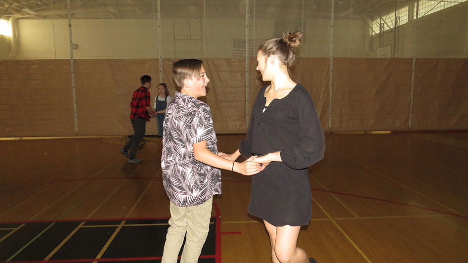 2016-04-21-swing-dancing-1st-period-23