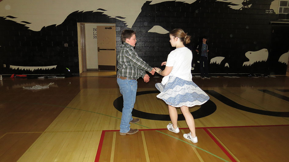 2016-04-21-swing-dancing-1st-period-30