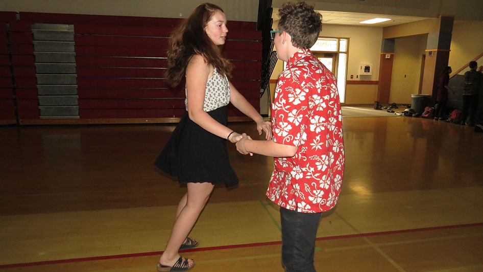 2016-04-21-swing-dancing-6th-period-39