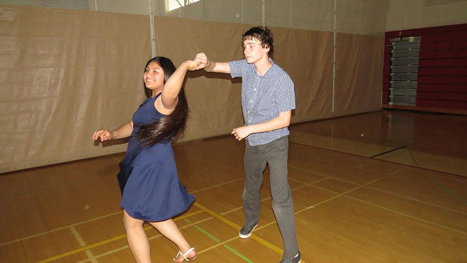 2016-04-21-swing-dancing-6th-period-59