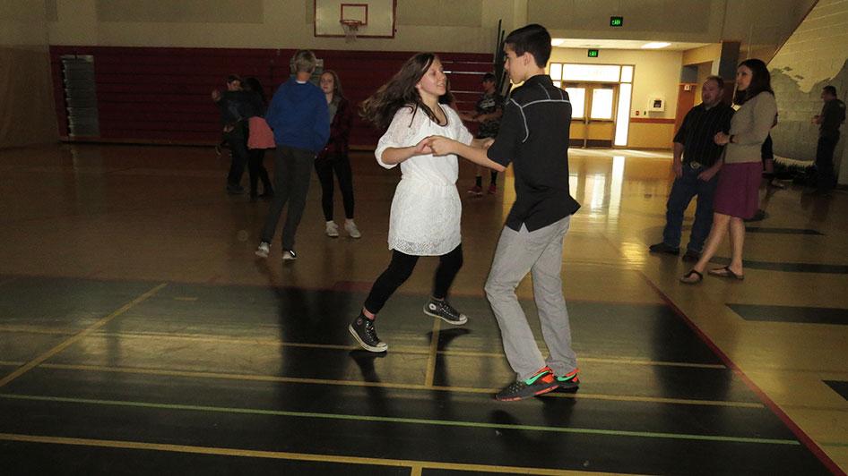 2016-04-21-swing-dancing-6th-period-67