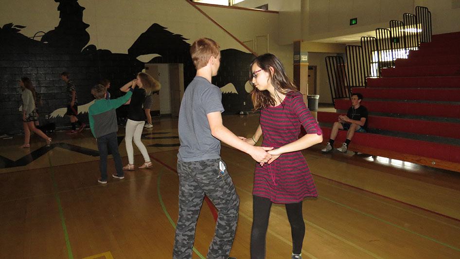 2016-04-21-swing-dancing-6th-period-76