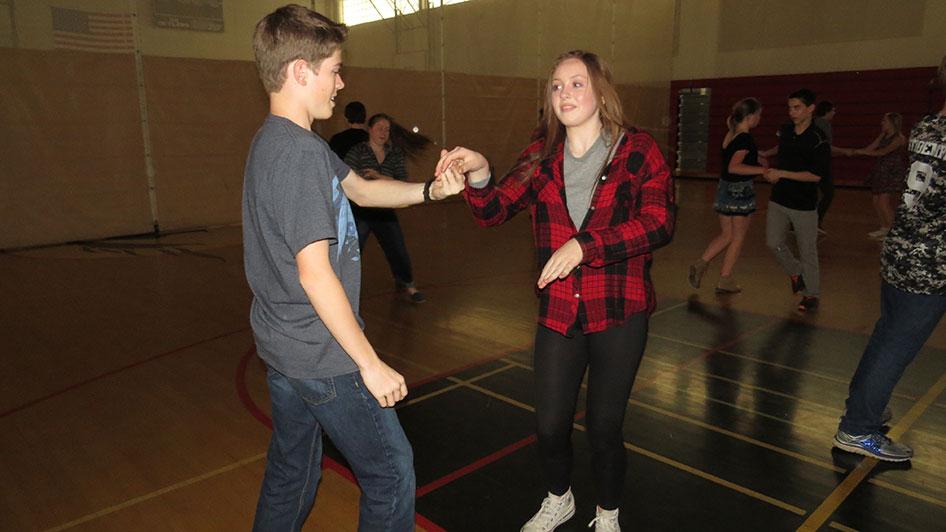 2016-04-21-swing-dancing-6th-period-78