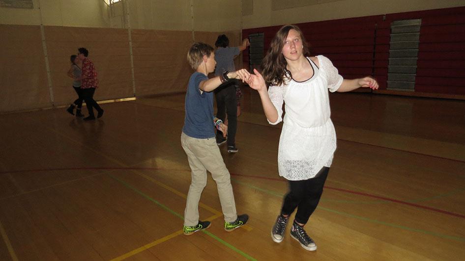 2016-04-21-swing-dancing-6th-period-80